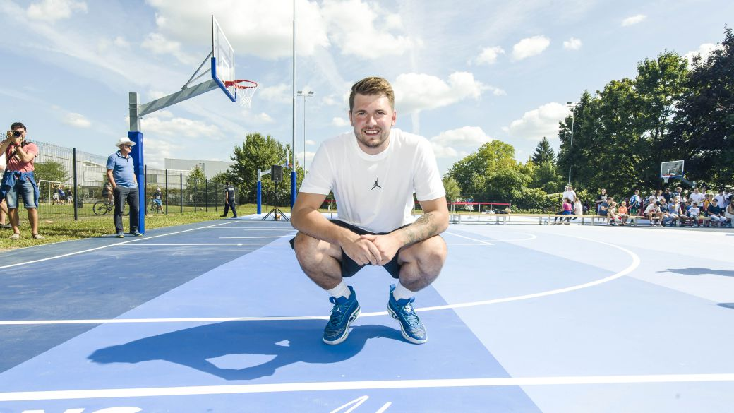 NBA 2K22: Luka Doncic opens two basketball courts in his hometown