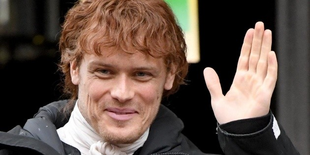 Sam Heughan talked about Outlander, compared himself to Robert Pattinson and revealed his strategy for facing fame