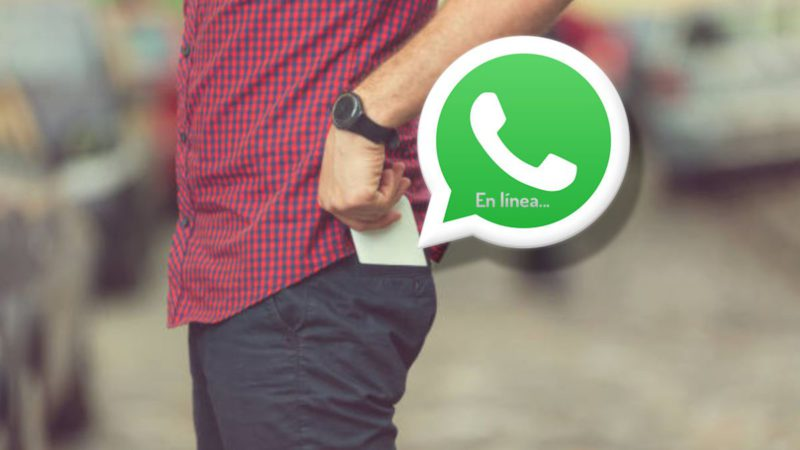 ¿Por qué en WhatsApp aparezco en línea cuando ya cerré la aplicación?