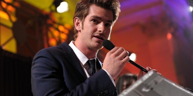 Andrew Garfield says goodbye to his mom and pays tribute to her in his latest movie