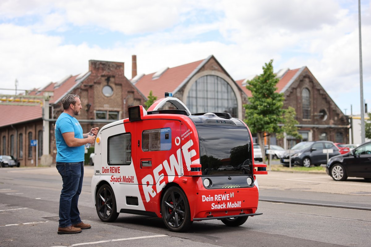 In the test: the self-driving snack bus on wheels