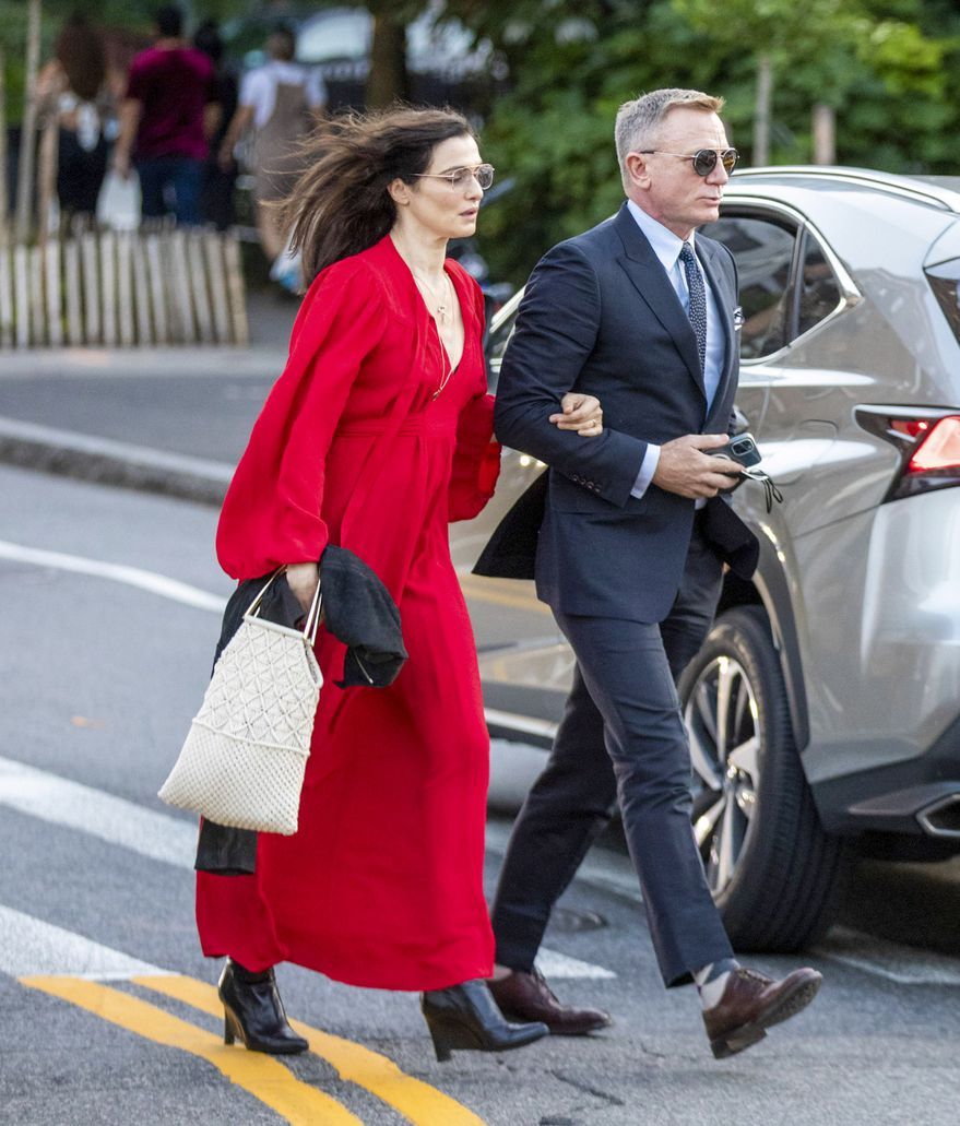 Daniel Craig y Rachel Weisz. Photo Credits: (Backgrid)