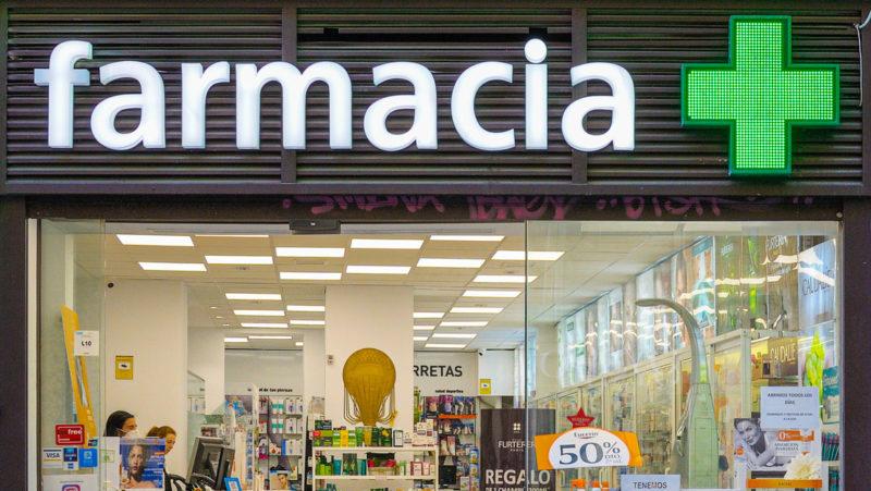 Arrestan en España a un exsanitario acusado de falsificar recetas médicas por valor de más de 53.000 dólares