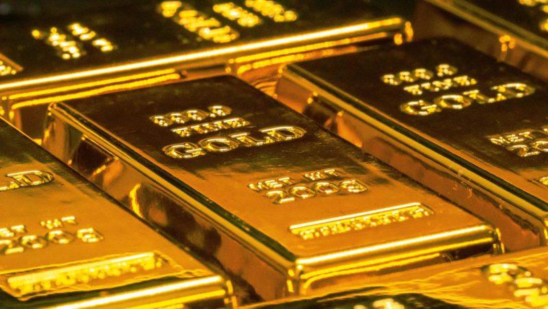 Detienen a dos hombres en la India que intentaban contrabandear casi un kilo de oro en forma de sus prótesis dentales