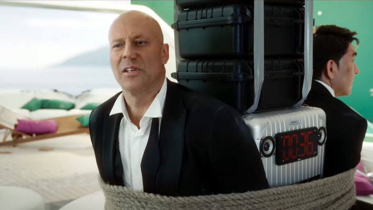 Bruce Willis licenses himself for deepfake commercials