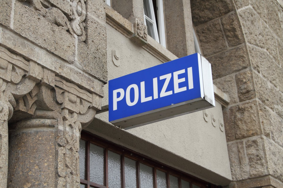 """After right-wing police chats: NRW wants """"netiquette"""" for officials"""