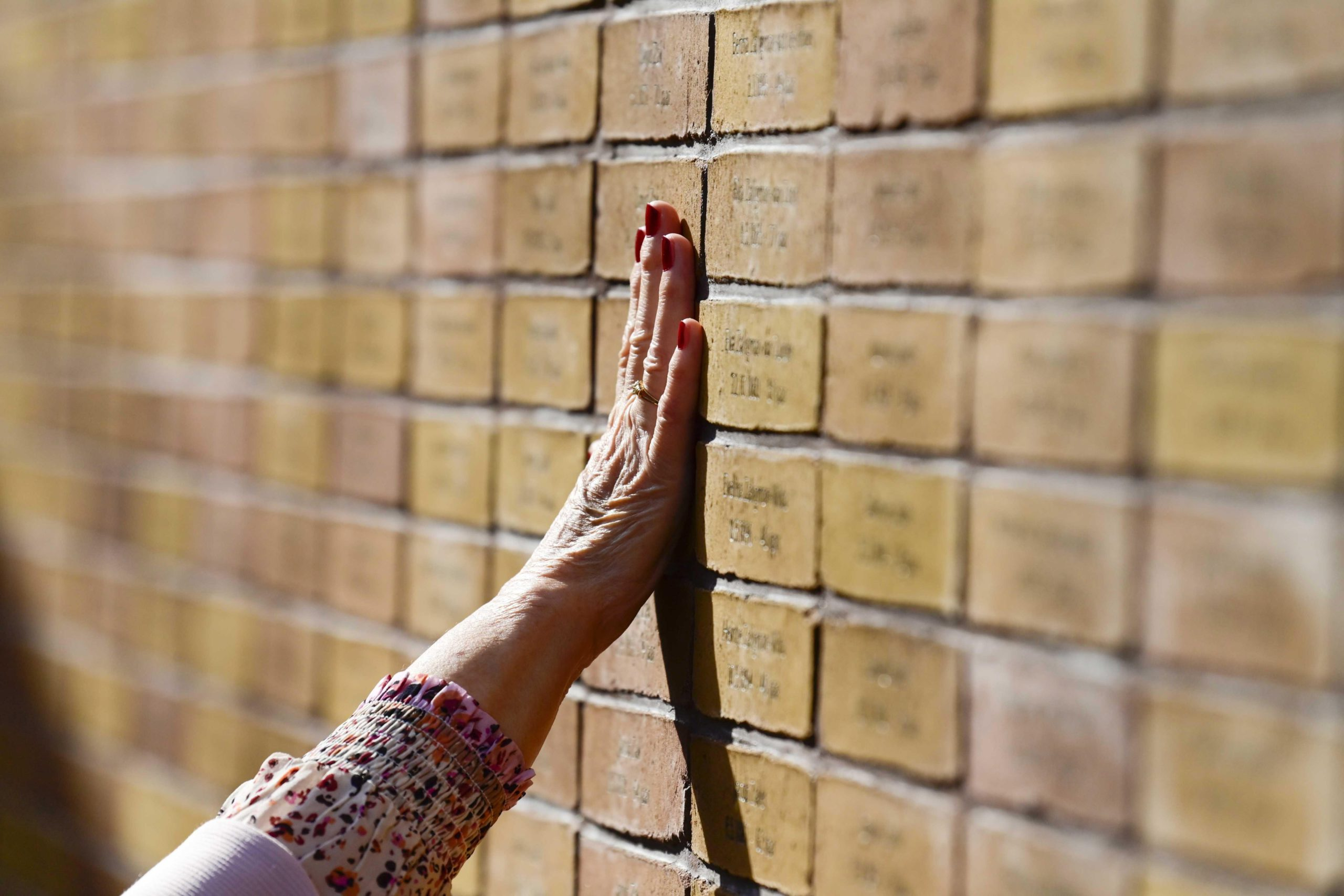 Amsterdam inaugurates a monument to the Jewish and Roma victims of the Holocaust