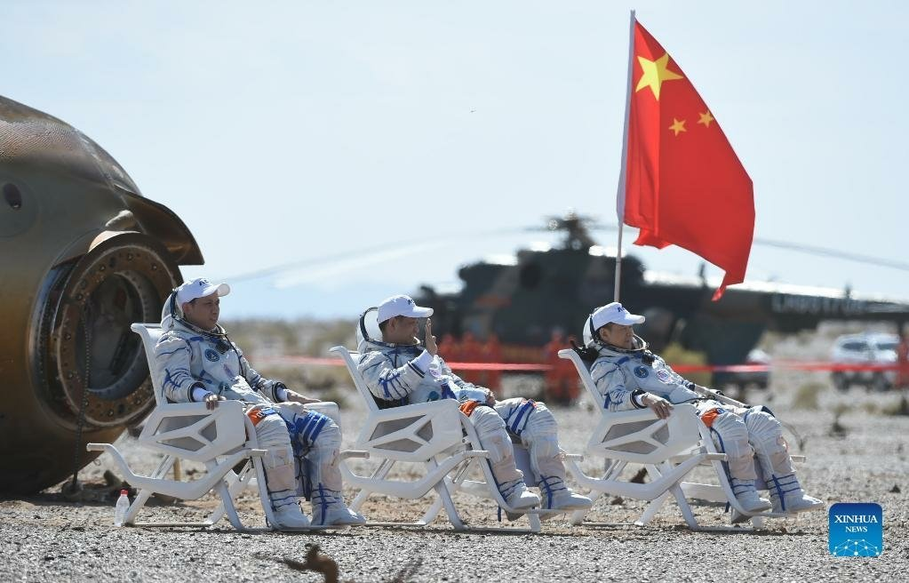 China's astronauts back on earth after three months in space