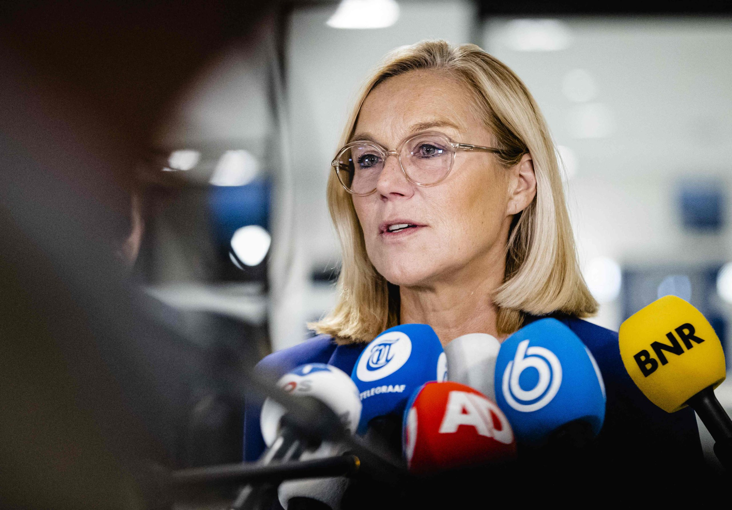 Dutch Foreign Minister leaves office for managing evacuations from Afghanistan