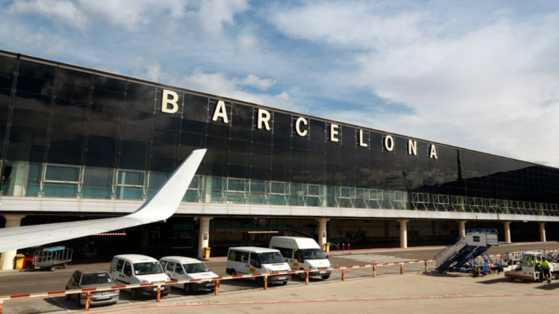 """El Prat remains without expansion: the Minister of Transport considers the project """"parked"""""""