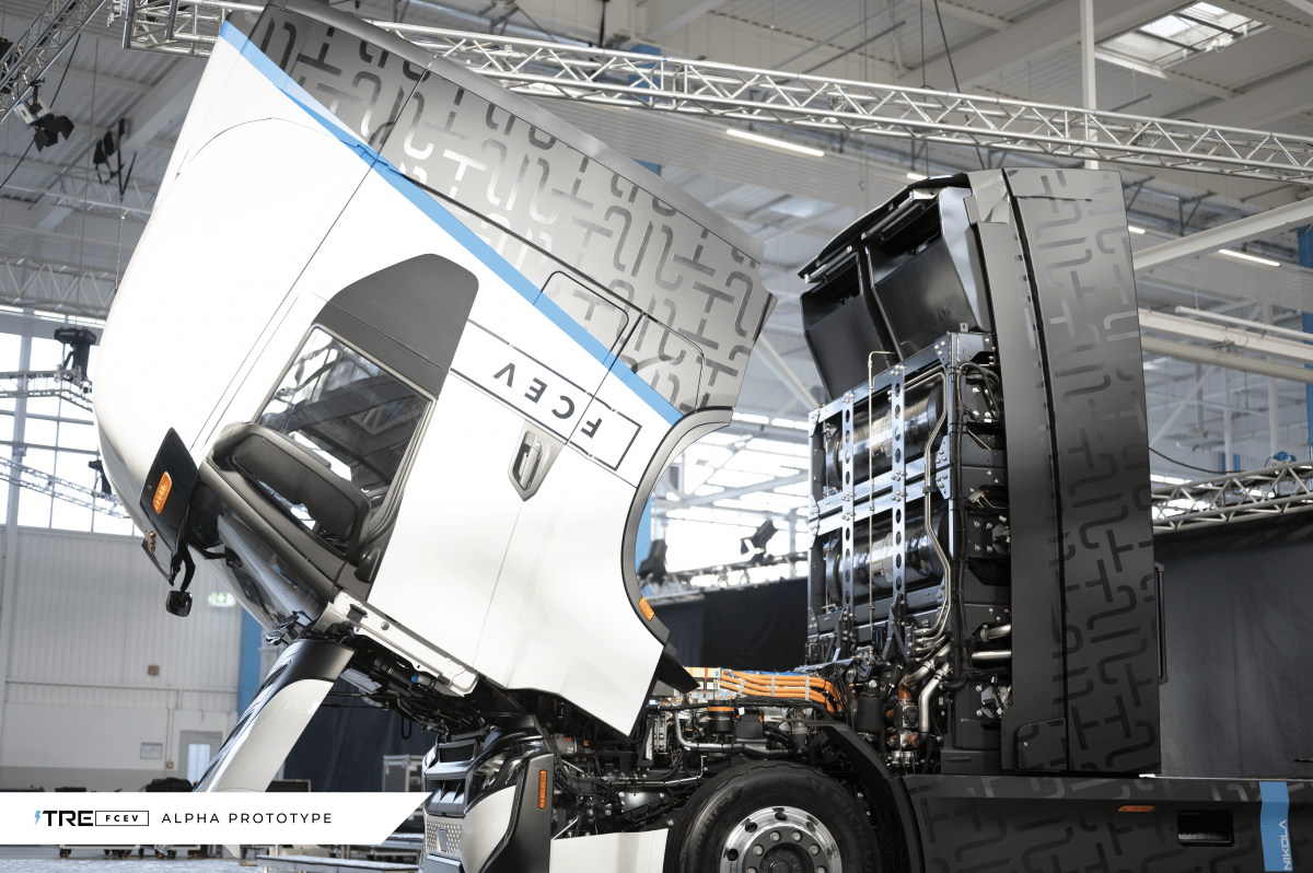 Electric truck: Iveco and Nikola open production plant in Ulm