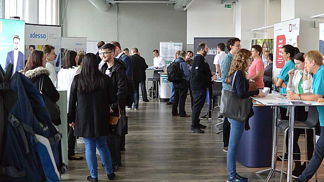 IT job day: Applicants and employers come on September 29th.  together in Nuremberg