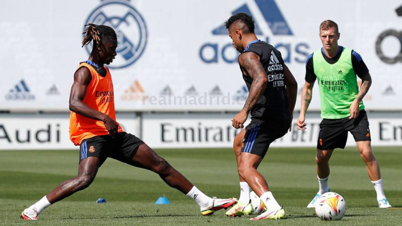 Kroos returns to training with the group almost two months later