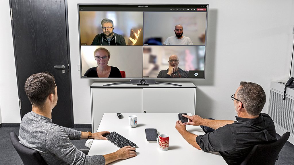 Less than 200 euros: Inexpensive hybrid conference system built by yourself