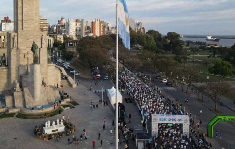 More than four thousand runners were in the Flag Marathon in Rosario