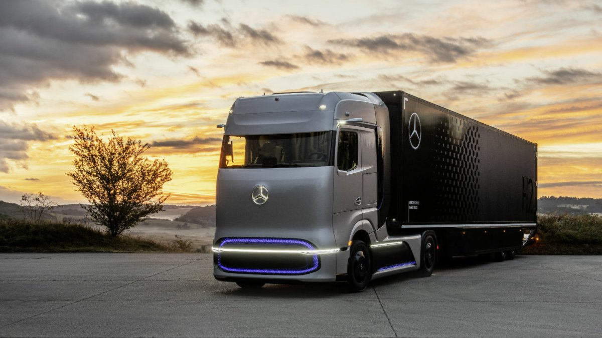 National Hydrogen Strategy: Opportunities for H2 in Freight Transport