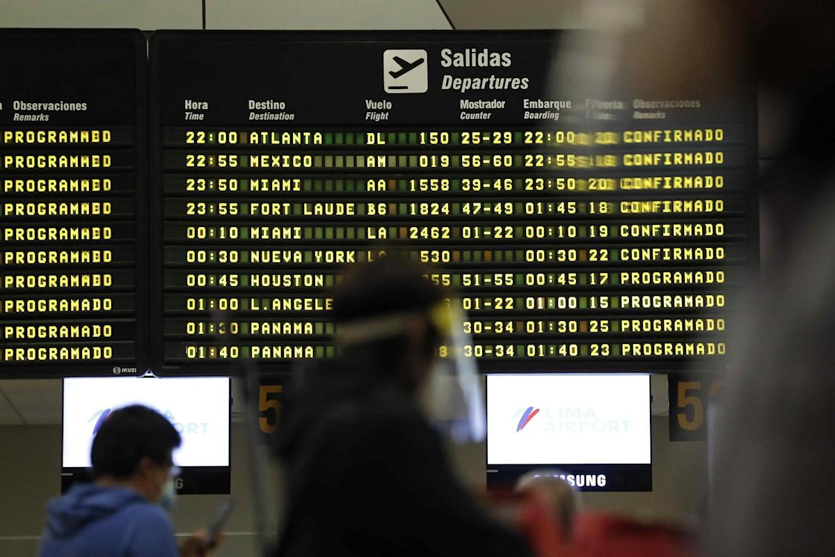 Peru keeps flights from South Africa suspended