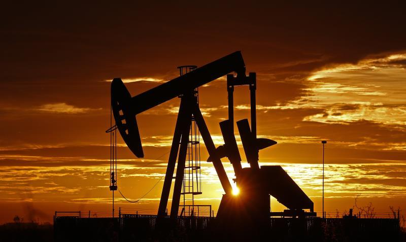 Texas oil falls 0.9% and closes at 71.97 dollars a barrel