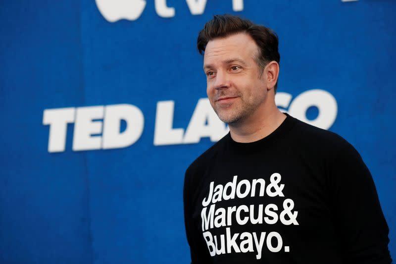 """FOTO DE ARCHIVO. El miembro del reparto Jason Sudeikis asiste al estreno de la segunda temporada de la serie de televisión """"Ted Lasso"""" en el Pacific Design Center en West Hollywood, California, Estados Unidos"""