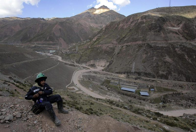 The Newmont mining company will invest at least 500 million dollars in Peru