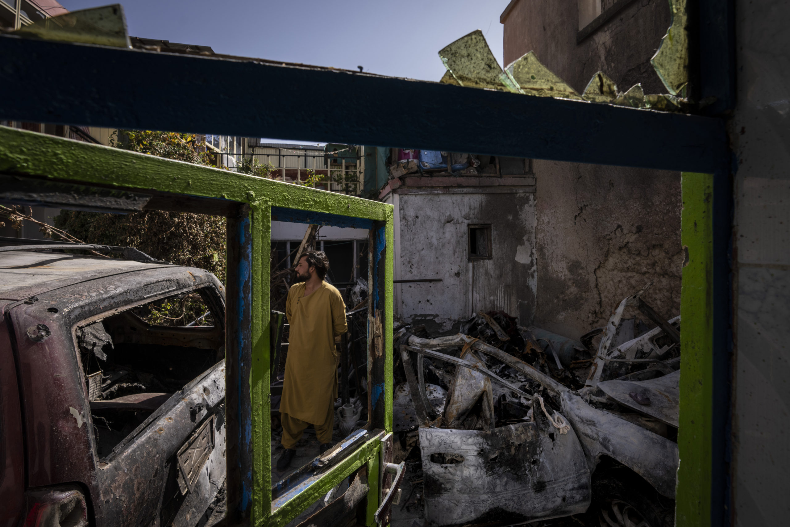 """The Pentagon recognizes as a """"tragic mistake"""" the drone attack that killed ten civilians during the evacuation of Kabul"""