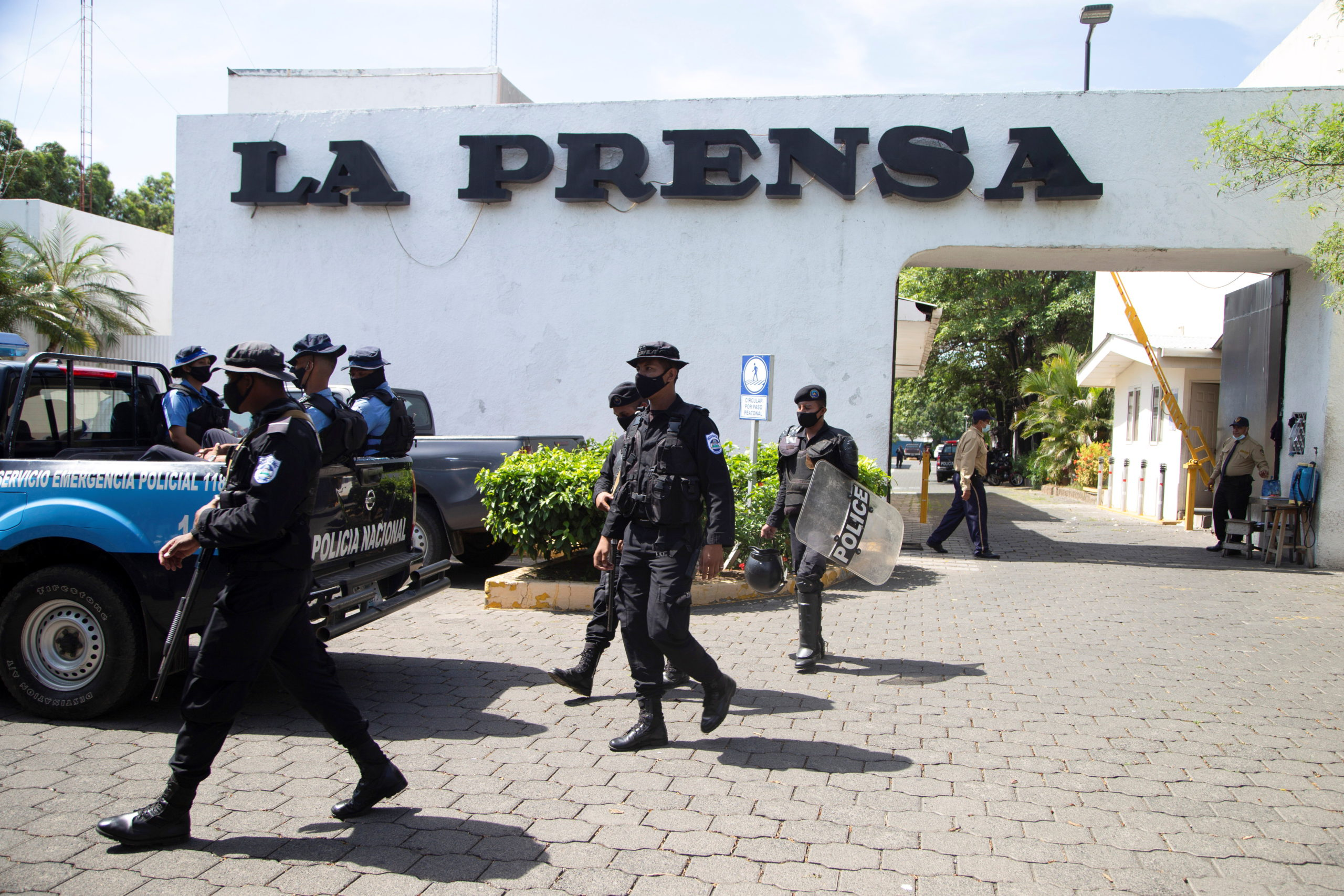 The newspaper 'La Prensa' fires almost half of its workers for the persecution of Daniel Ortega