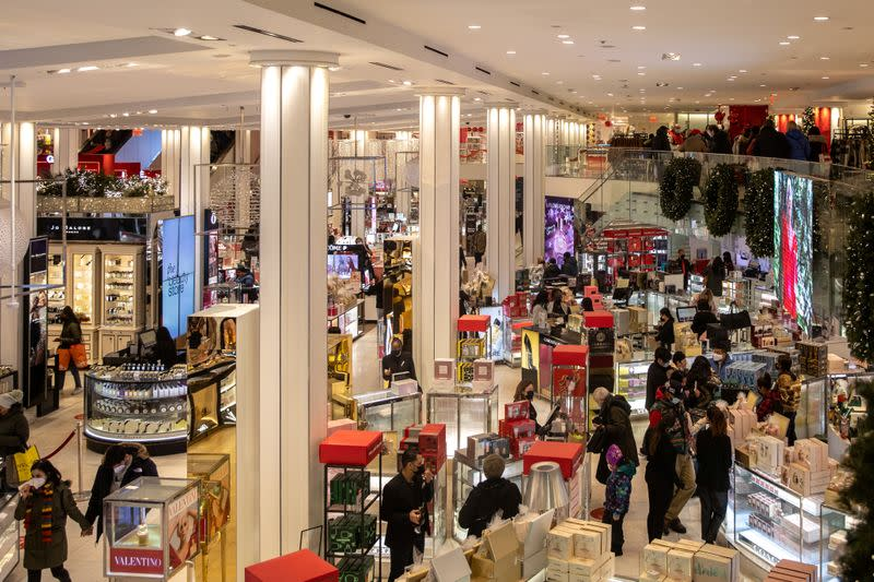 US Retail Sales Unexpectedly Rise in August;  requests for unemployment assistance grow