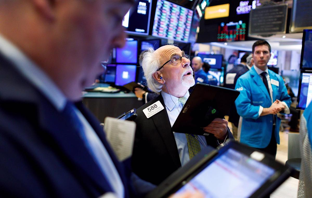 Wall Street closes in green and the Dow Jones increases 0.68%