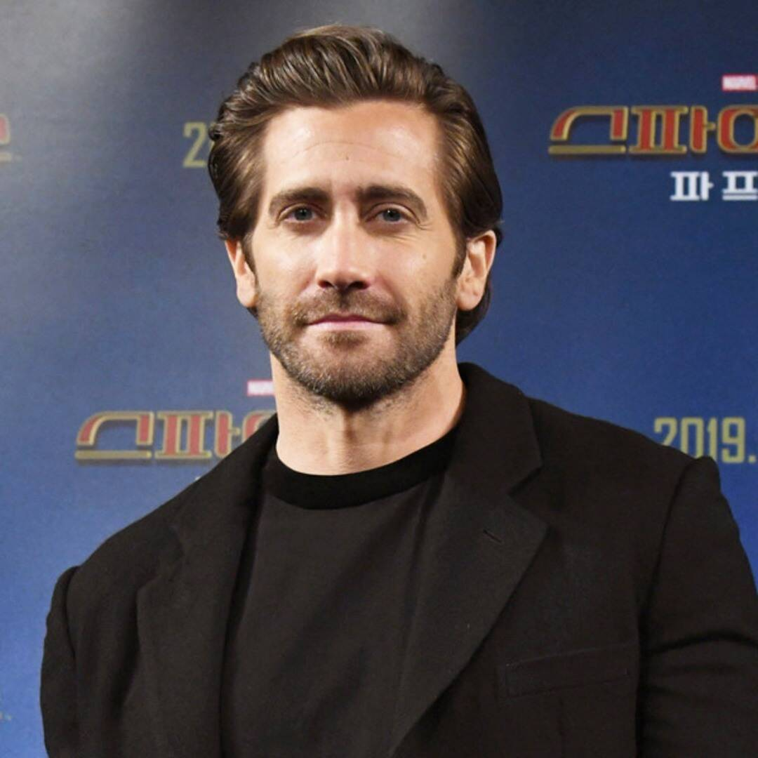 Watch the strange encounter between Jake Gyllenhaal and a man dressed as one of his characters