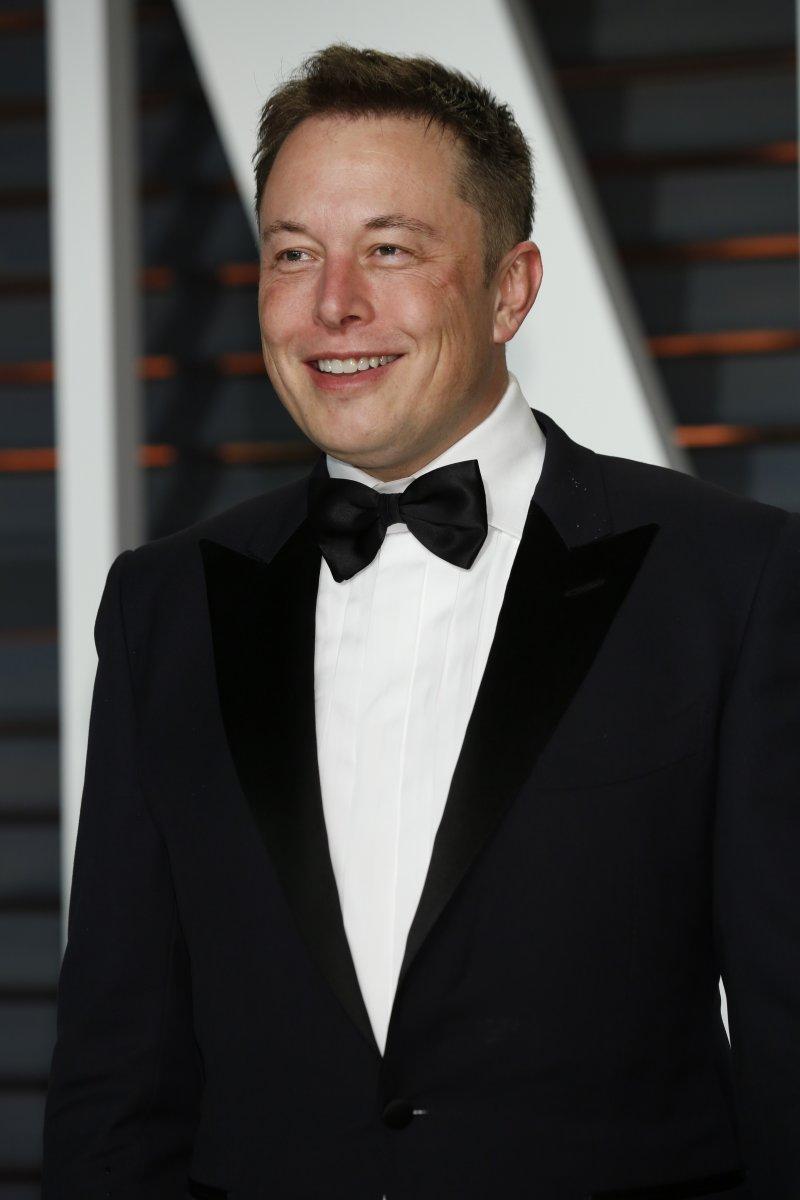 Billionaire rivalry: Musk taunts Bezos on Twitter