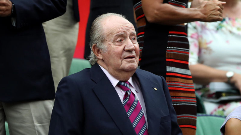 """Pedro Sánchez dice que el exmonarca Juan Carlos I debe dar explicaciones sobre sus controvertidas finanzas y que será tratado sin """"favoritismo"""""""