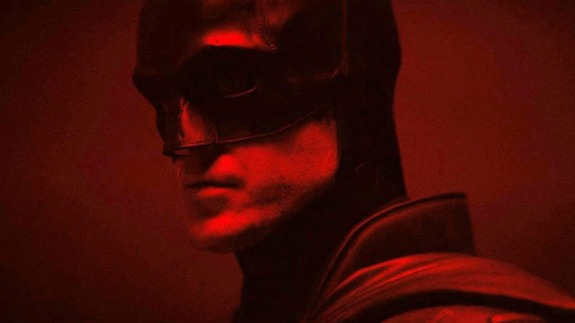 The Batman is shown in a new teaser and a new image before the premiere of his official trailer