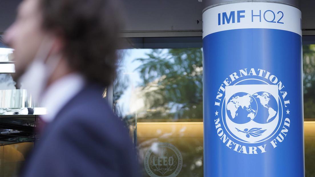 """""""Un mundo incierto"""": La deuda global alcanza un cifra récord de 226 billones de dólares"""
