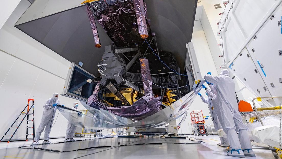 La NASA 'desempaqueta' el telescopio espacial más potente y costoso del mundo que buscará señales de vida extraterrestre (FOTOS)
