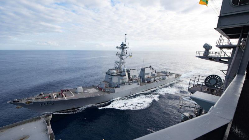 """""""Se confabularon para provocar y agitar los problemas"""": China condena el paso de buques de EE.UU. y Canadá a través del estrecho de Taiwán"""