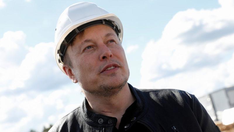 Elon Musk refuerza su liderazgo como el hombre más rico del mundo con 236.000 millones de dólares tras una venta de acciones de SpaceX