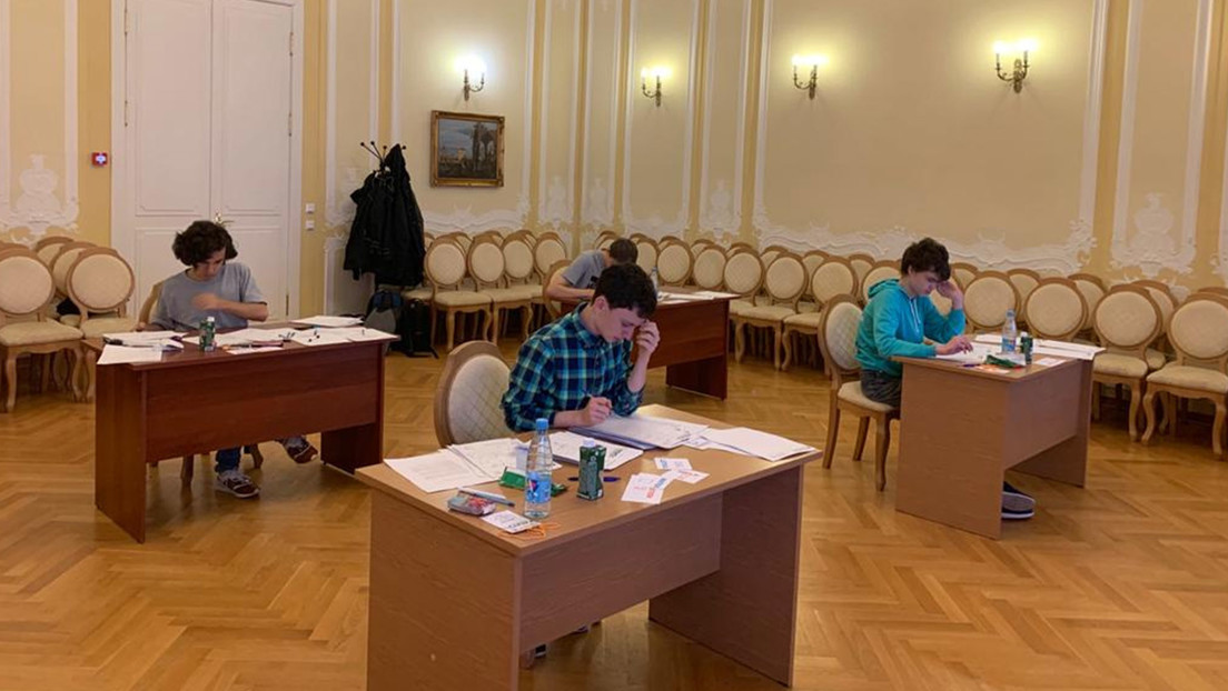 Jóvenes rusos se llevan 2 oros y 2 platas en la olimpiada matemática Romanian Master of Mathematics