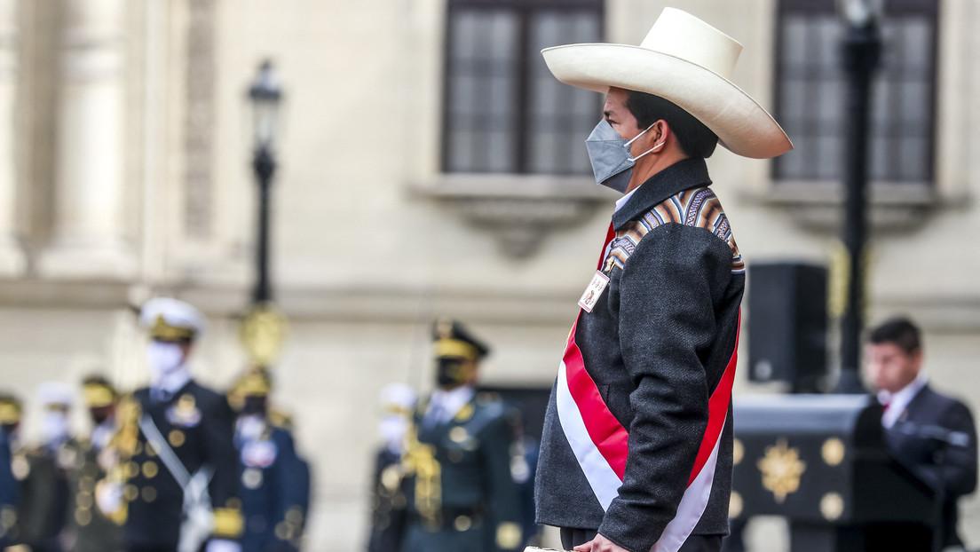 El Gobierno de Perú se enfrenta al Congreso por la nueva norma que limita la facultad del presidente de presentar una cuestión de confianza