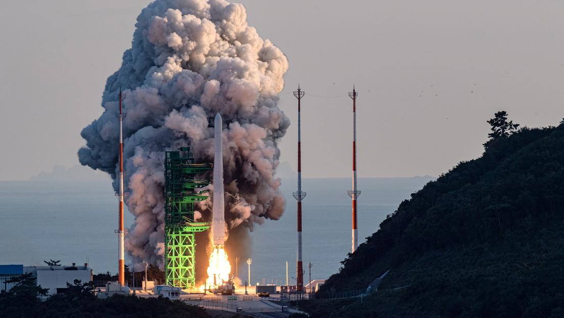 El primer cohete de producción nacional de Corea del Sur fracasa al intentar enviar un satélite ficticio a la órbita