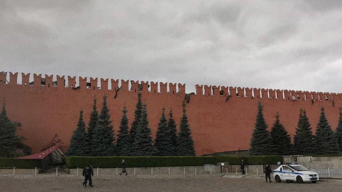 Fuertes vientos en Moscú dañan una almena de la muralla del Kremlin y derriban un andamio que restauraba la fortaleza (VIDEO)