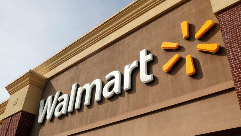 Walmart deja de vender una línea de ambientadores ante la posible presencia de una bacteria peligrosa