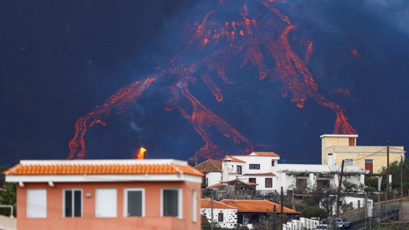 Los bancos obligan a pagar íntegra la hipoteca de las casas sepultadas por el volcán de La Palma con el dinero de las indemnizaciones