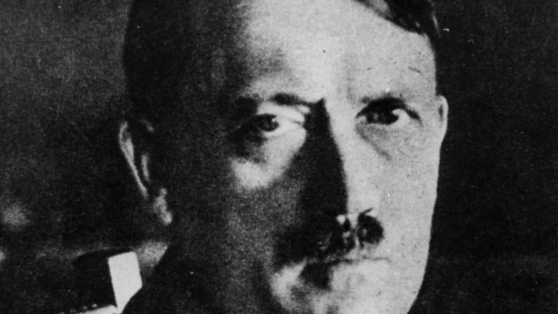 ¿Hitler vacunado contra el covid-19?: Investigan posible 'hackeo' de 'pases verdes' con código QR en Países Bajos