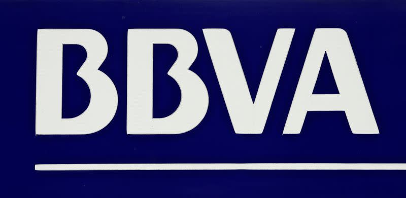 BBVA opens in Italy with a free digital offer to attract customers