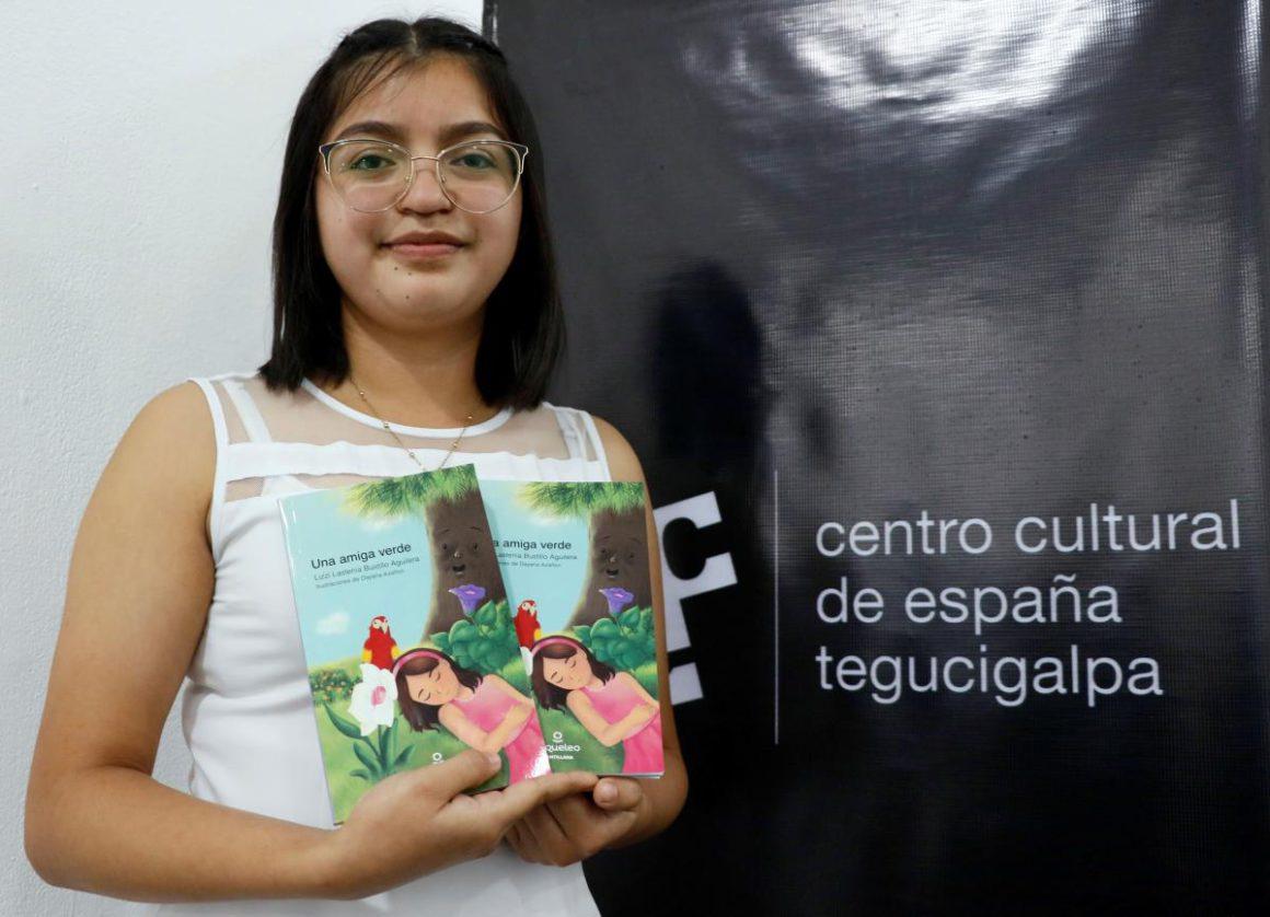 Honduran Lizzi Bustillo wins National Children's Narrative Award