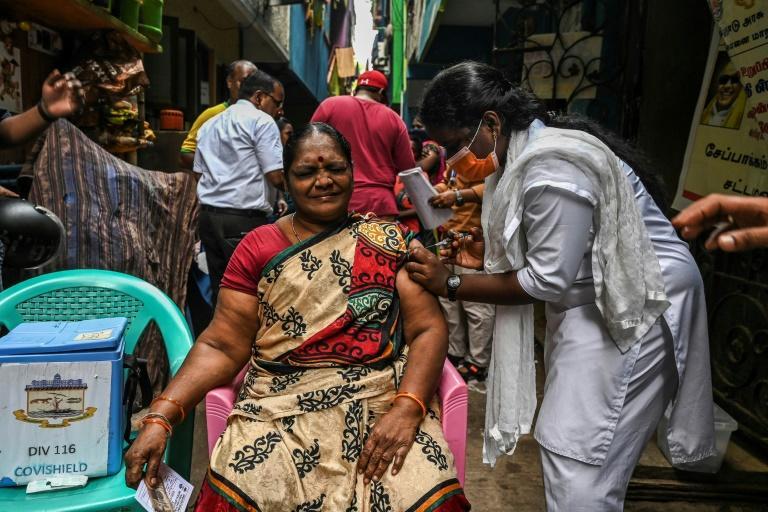 India administers 1 billion vaccines against coronavirus