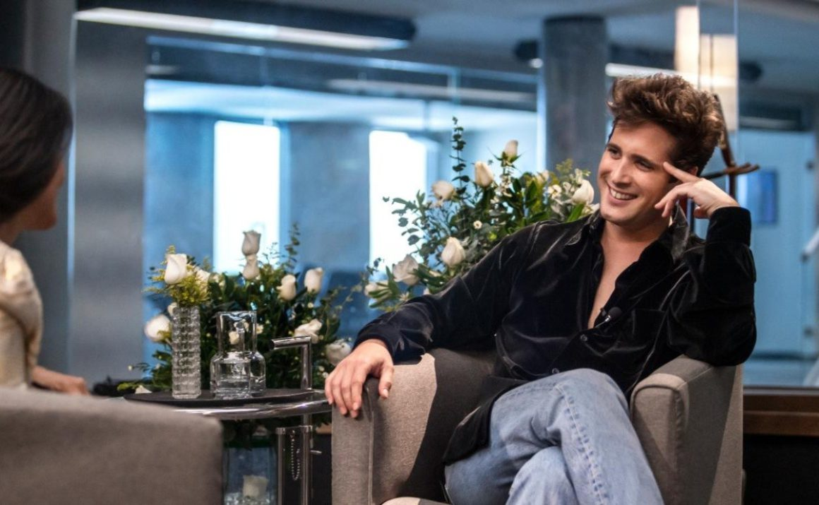 Netflix revealed a new video of Diego Boneta as Luis Miguel and it is definitely identical to him