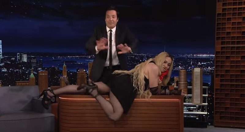 Madonna has fun showing her buttocks on 'Tonight Show' (VIDEO) - MAG.