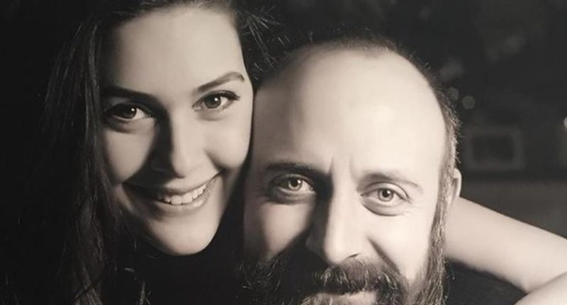 """The love story of Bergüzar Korel and Halit Ergenç that was born in the soap opera """"The thousand and one nights"""""""