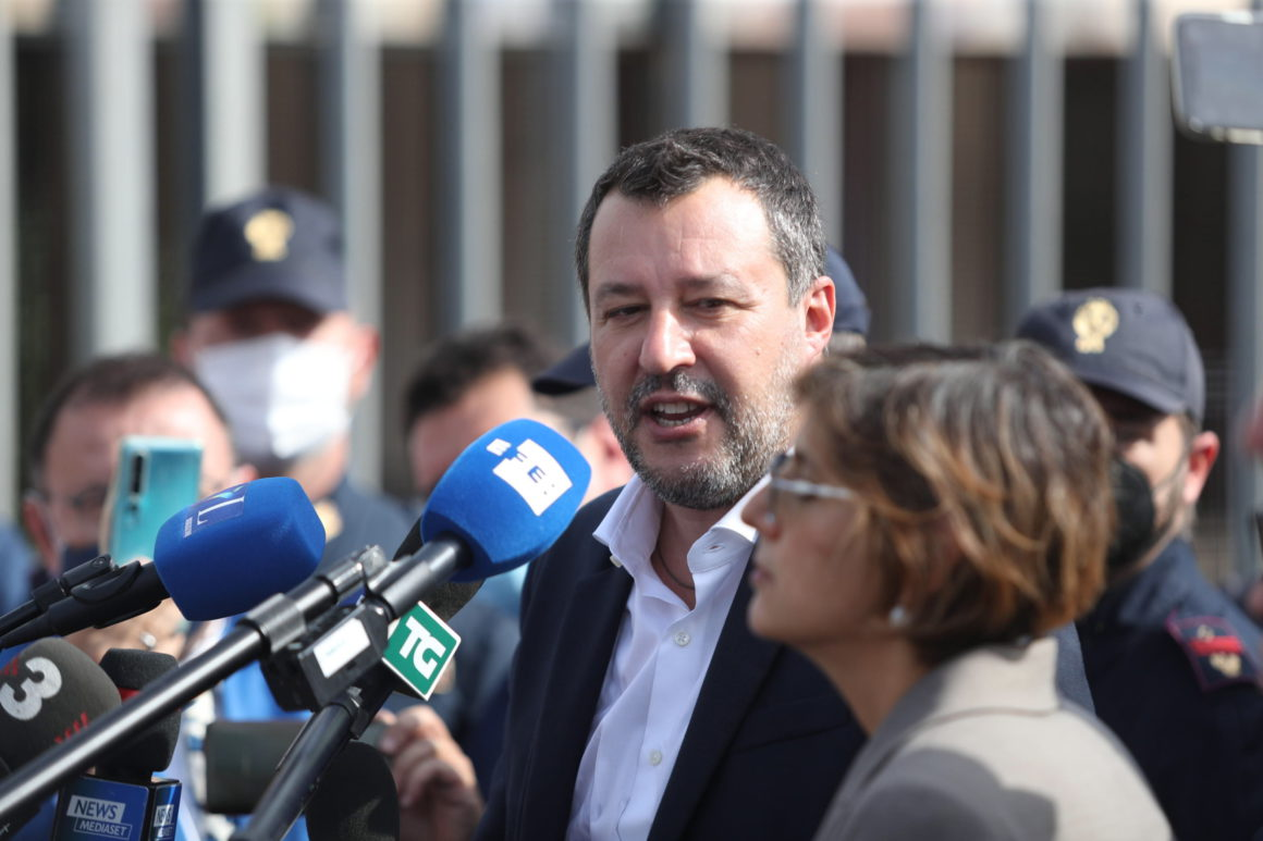 Richard Gere and Ada Colau will testify in the trial against Matteo Salvini for blocking the 'Open Arms'    International